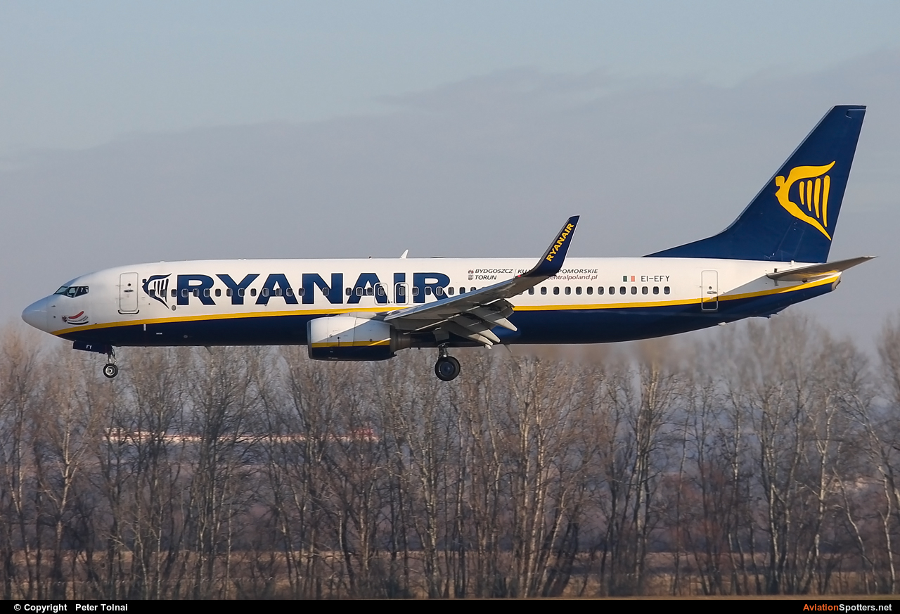 Ryanair  -  737-8AS  (EI-EFY) By Peter Tolnai (ptolnai)