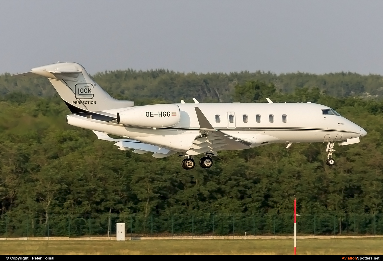 Private  -  BD-100-1A10 Challenger 300  (OE-HGG) By Peter Tolnai (ptolnai)