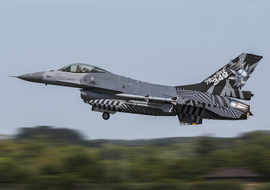 General Dynamics - F-16AM Fighting Falcon (FA-70) - AirComunity