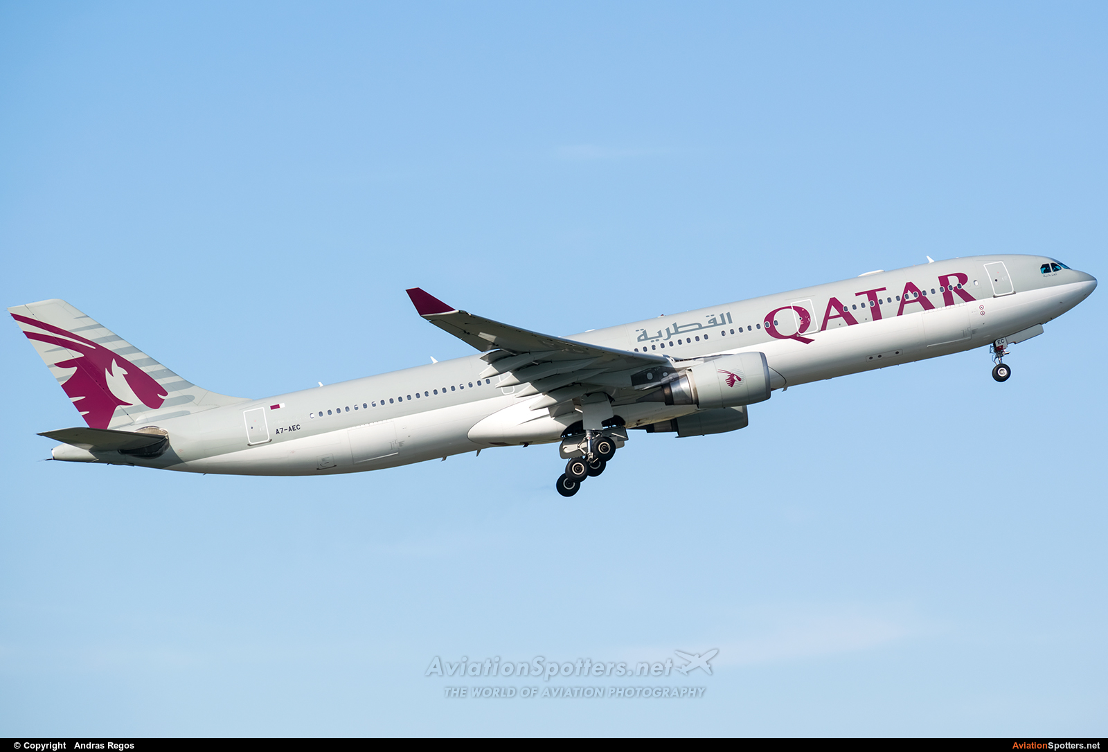 Qatar Airways  -  A330-300  (A7-AEC) By Andras Regos (regos)
