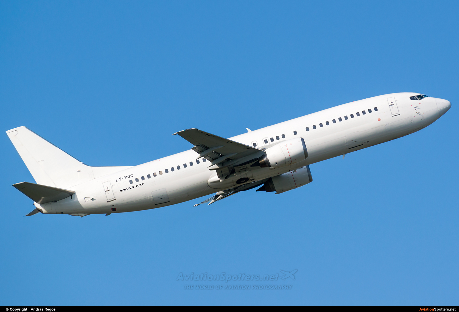 GetJet Airlines  -  737-400  (LY-PGC) By Andras Regos (regos)