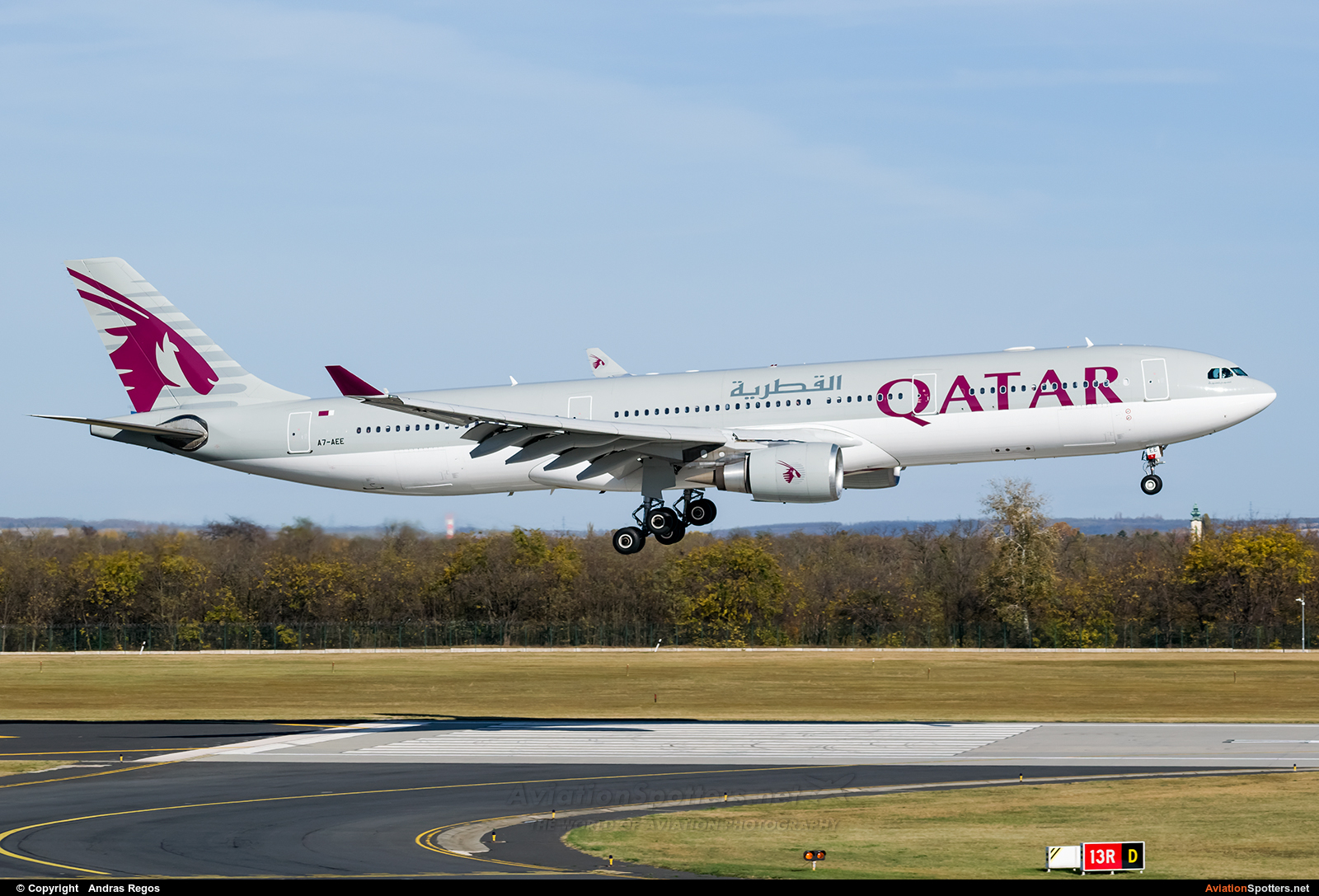 Qatar Airways  -  A330-300  (A7-AEE) By Andras Regos (regos)