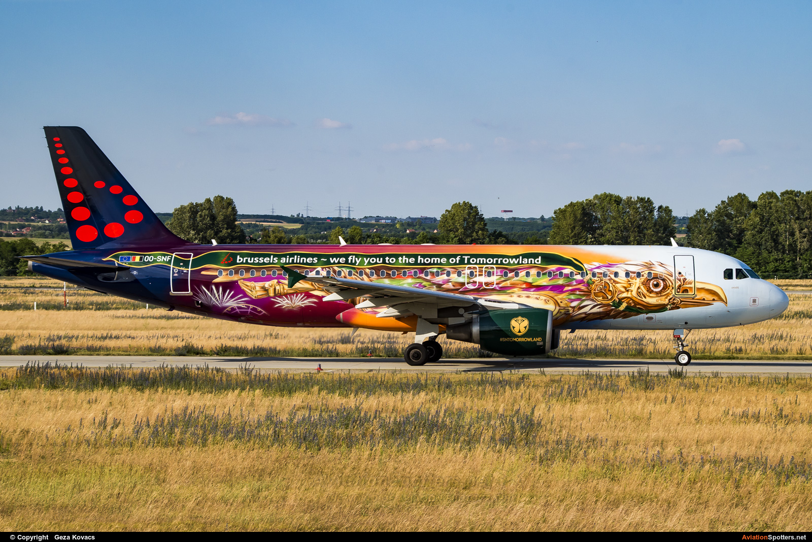 Brussels Airlines  -  A320-214  (OO-SNF) By Geza Kovacs (galaxy5)