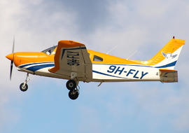 Piper - PA-28 Warrior (9H-FLY) - rbpace