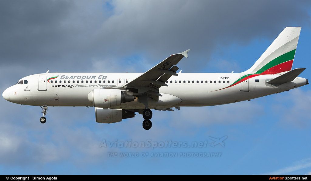 Bulgaria Air  -  A320-214  (LZ-FBD) By Simon Agota (goti80)