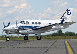 Beechcraft - 90 King Air (YR-INC) - allex