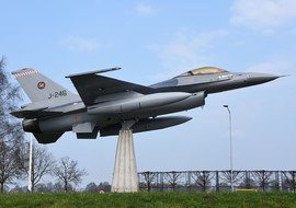 General Dynamics - F-16A Fighting Falcon (J-246) - vargagyuri