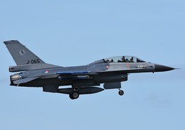 General Dynamics - F-16BM Fighting Falcon (J-065) - vargagyuri