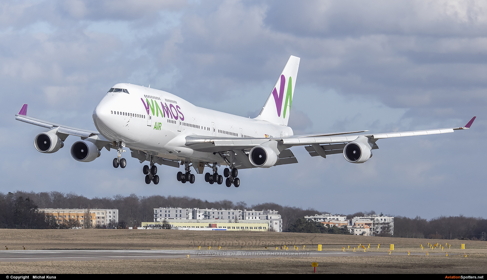 Wamos Air  -  747-400  (EC-MQK) By Michał Kuna (big)