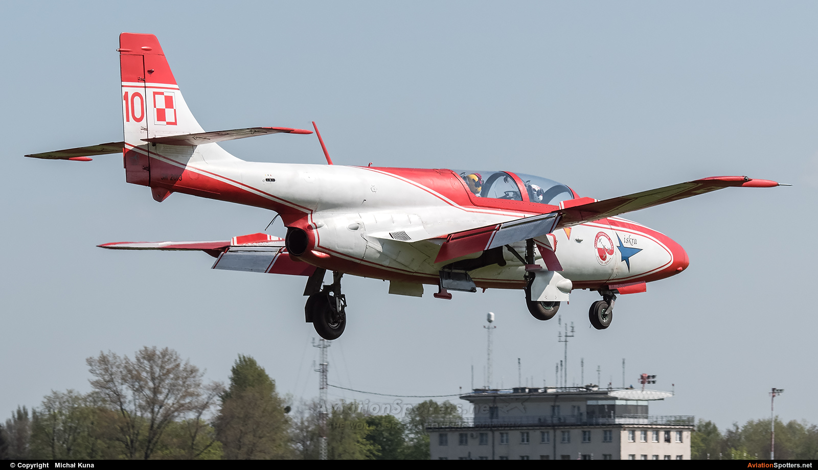 Poland - Air Force: White & Red Iskras  -  TS-11 Iskra  (3H-2013) By Michał Kuna (big)