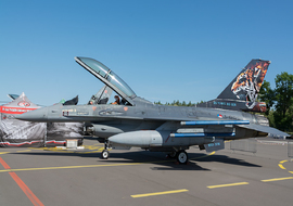 General Dynamics - F-16B Fighting Falcon (J-822) - ryś
