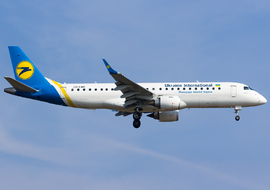 Embraer - 190 (UR-EME) - Kehdi Aviation