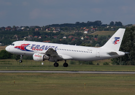 Airbus - A320 (YL-LCD) - Roodkop