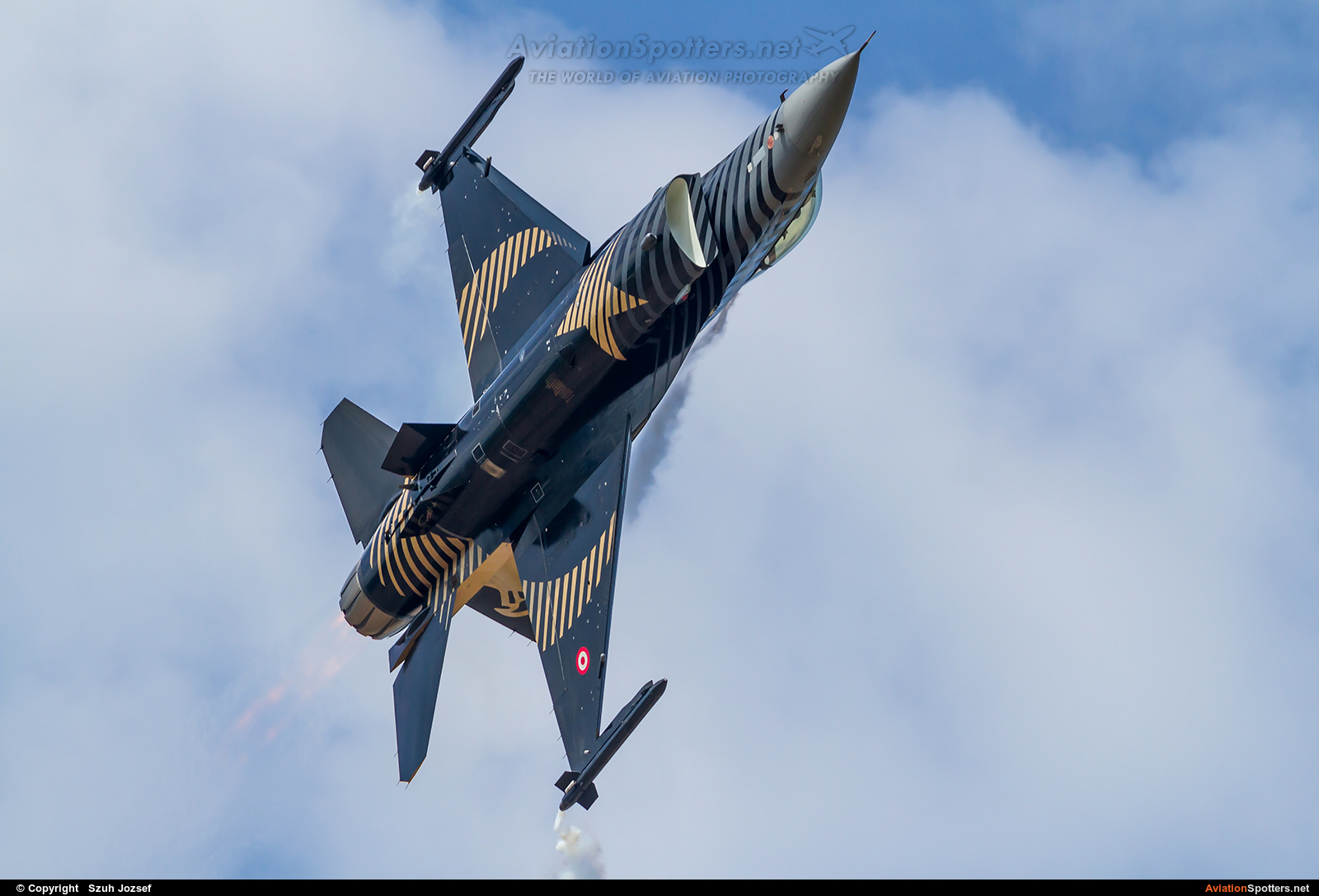 Turkey - Air Force  -  F-16C Fighting Falcon  (88-0032) By Szuh Jozsef (szuh jozsef)